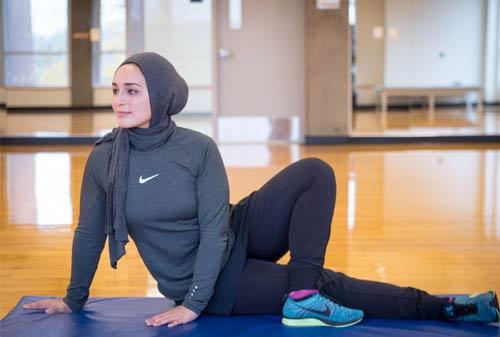 Jaga-Kesehatan-dengan-6-Olahraga-Irit-yang-Cocok-Dilakukan-Saat-Puasa!-5-Yoga-Finansialku