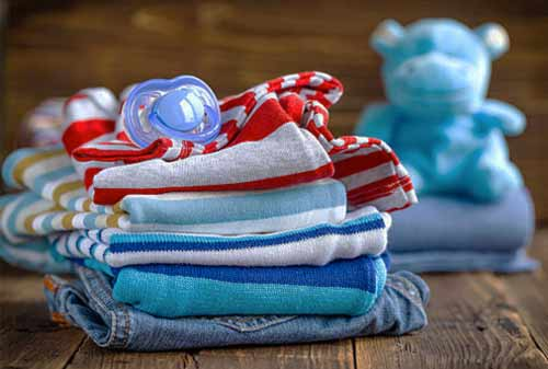 Mengatur-Keuangan-Setelah-Bayi-Lahir-5 Baju Bayi-Finansialku