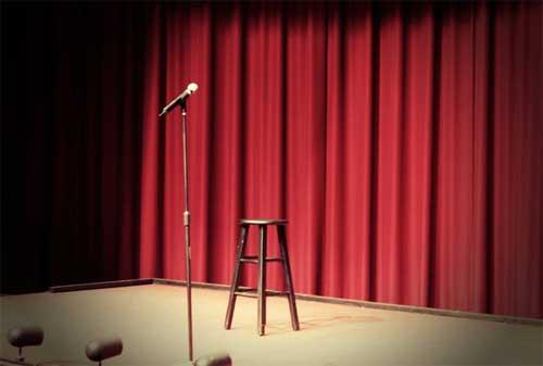 Pekerjaan Di Malam Hari 02 Standup Comedian - Finansialku