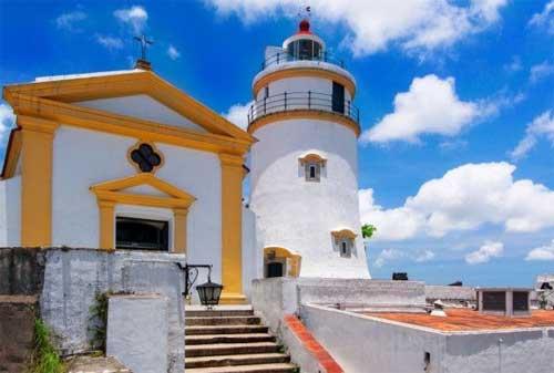 Tempat Wisata di Macau 02 Benteng Guia - Finansialku