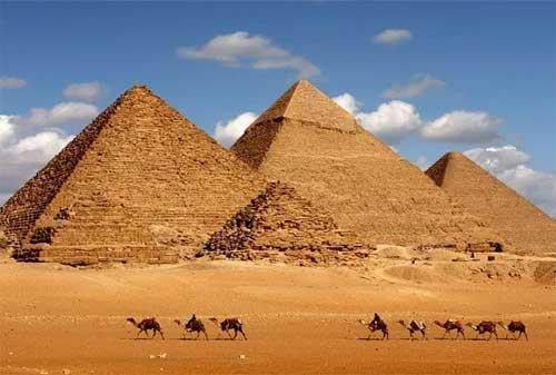 Tempat Wisata yang Akan Hilang Dari Muka Bumi 09 Piramida Mesir - Finansialku