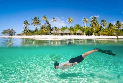 Butuh Vitamin Sea? Ini Dia 10 Pantai Terbaik Dunia yang Wajib Anda Kunjungi!
