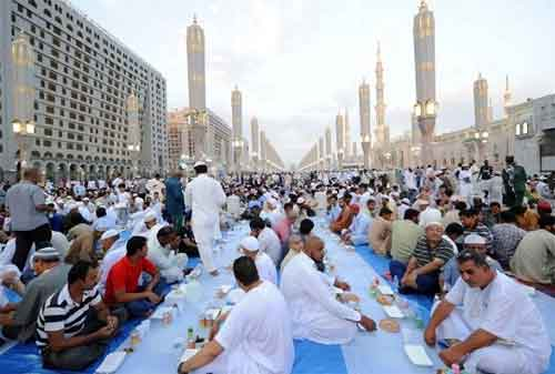 Ramadan di Dunia 06 Buka Puasa Bersama Arab Saudi - Finansialku