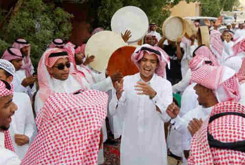 Tradisi Unik Lebaran di Dunia 01 Arab Saudi - Finansialku