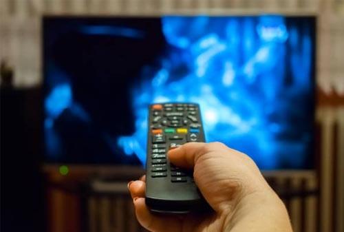 Alasan Mengapa Matikan TV Bisa Irit Pengeluaran 02 Finansialku