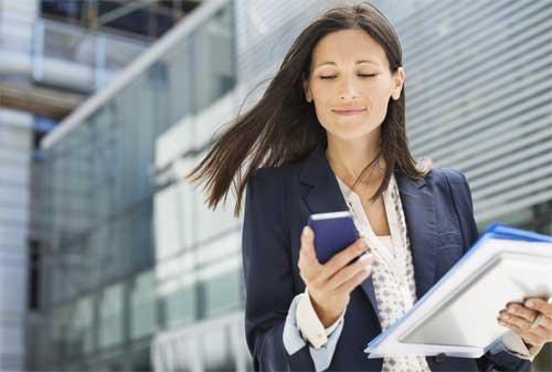 Apakah Anda Para Wanita Karir yang Ingin Sukses Di Usia 30 Tahun 02 Karyawan - Finansialku