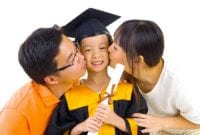 Biaya Kuliah Mahal, Mom Pilih Utang atau Nabung 04 - Finansialku