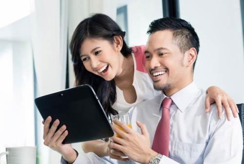 Cara Jitu Menjalin Hubungan Baik dengan Rekan Kerja 01 Finansialku
