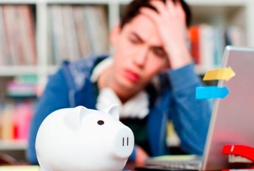 Mahasiswa, Ini Tips dan Trik Menyisihkan Uang Jajan untuk Berinvestasi