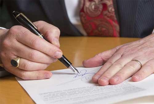 Perbedaan Akta Otentik dan Akta Dibawah Tangan 02 - Finansialku