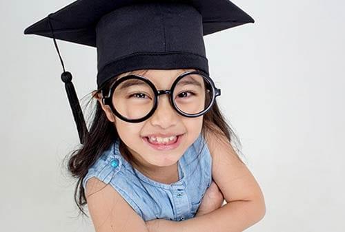 Perbedaan-Risiko-Tabungan-Pendidikan-Anak-dan-Asuransi-Pendidikan-Anak-01-Finansialku