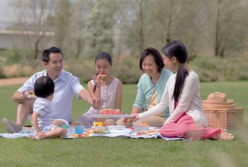 5+ Tips Liburan Hemat Bersama Keluarga yang Membahagiakan dan Menyenangkan