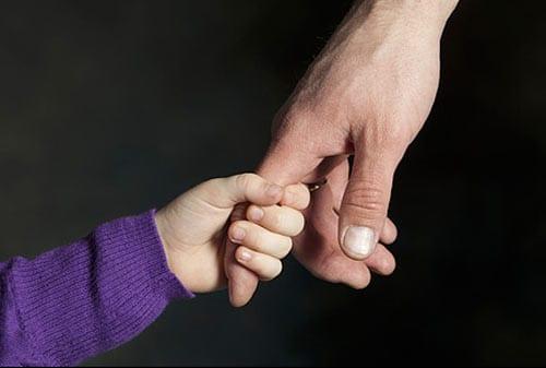 Sebelum Adopsi Anak, Pahami Dulu Akta Pengakuan dan Pengangkatan Anak