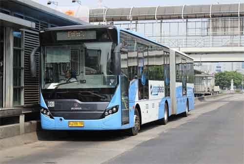 Gaya Hidup Ramah Lingkungan 04 Transjakarta Bus - Finansialku