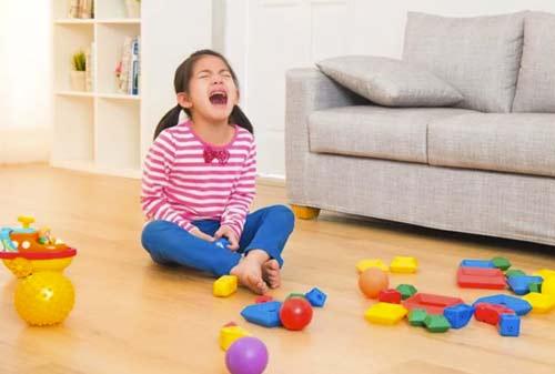 Harus Bagaimana Kalau Anak Minta Mainan Mahal? Belikan atau Tidak?