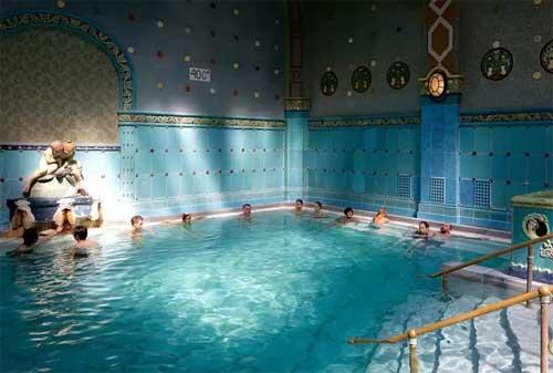 Kolam Renang Termahal di Dunia 08 Gellert Thermal Baths - Finansialku