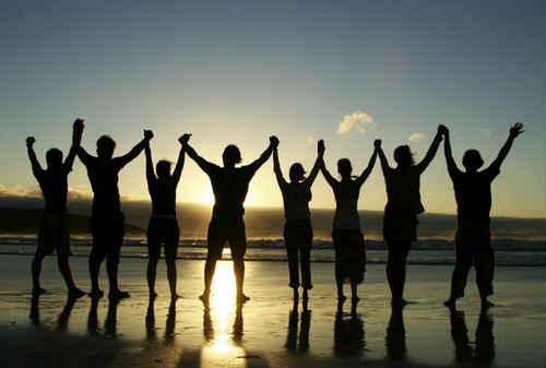 Manfaat Team Building 02 Karyawan Sukses HR - Finansialku