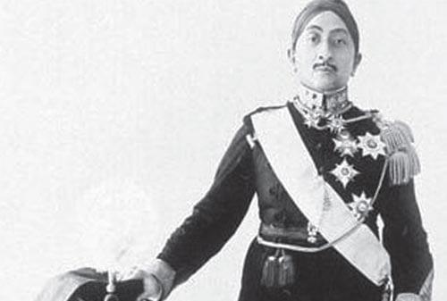 Para-Pahlawan-Nasional-Kemerdekaan-(Sri-Sultan-Hamengku-Buwono-VIII)-03-Finansialku