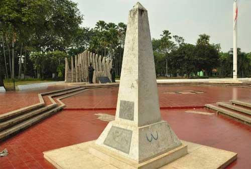 Wisata Sejarah Kemerdekaan Indonesia 04 Tugu Proklamasi - Finansialku