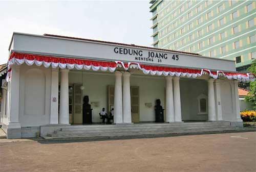 Wisata Sejarah Kemerdekaan Indonesia 05 Gedung Joang 45 - Finansialku