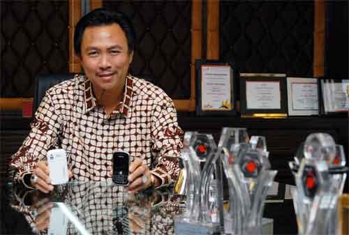 Kisah Sukses Hengky Setiawan, Pendiri Tiphone Mobile Indonesia 04 - Finansialku