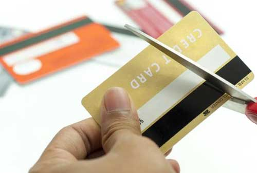 Beli Kue di China Pakai Cicilan Kartu Kredit 3 Tahun Begini Perilaku Milenial Di Sana 05 Pemotongan Limit - Finansialku