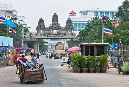 Budget Liburan Keliling Asia Tenggara Rp5 Juta 07 Perbatasan Thailand Kamboja - Finansialku
