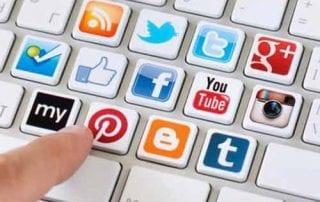 Mengembangkan Bisnis Dengan Media Sosial 01 - Finansialku