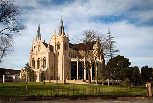 Penasaran Rahasia Liburan ke Perth Australia Gini Cara Mewujudkannya! 09 St. Mary's Cathedral - Finansialku
