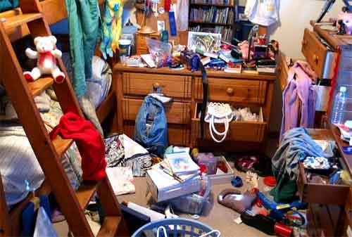 10 Rahasia Membersihkan Rumah dan Rapi Tanpa Ribet 04 Rumah Barang Berantakan - Finansialku