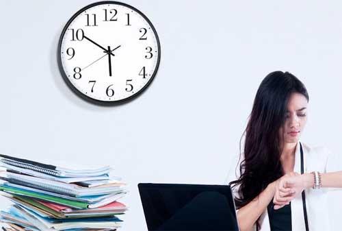 25 Rahasia Kebiasaan dan Kehidupan Orang Kaya Yang Jarang Diketahui Orang 02 Waktu - Finansialku