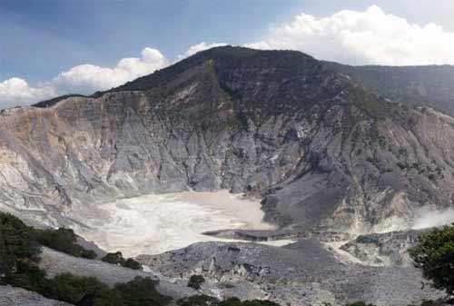 Cerita Sangkuriang Gunung Tangkuban Parahu 02 - Finansialku