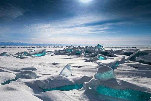 Keren, Bukan Editan! Ini 10+ Tempat Wisata Unik di Dunia 10 Danau Baikal - Finansialku