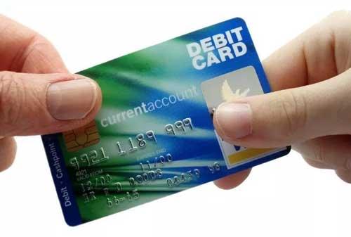 Sudah Tahu Tentang Rekening Koran Ketahui Cara Mengajukannya 03 Kartu Debit - Finansialku