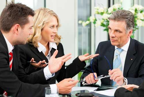 Kenali Kelebihan dan Kekurangan Gaya Kepemimpinan Otokrasi 06 Leader 6 - Finansialku