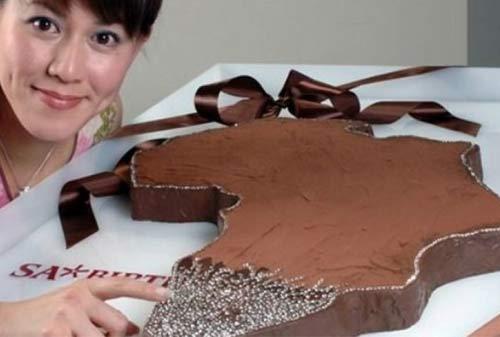 Kue Ulang Tahun Termahal Di Dunia 04 (Diamond Chocolate Cake) - Finansialku