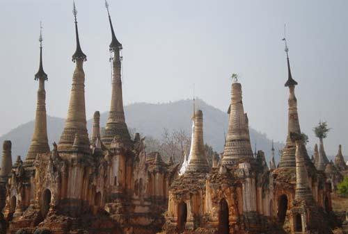 Tempat Wisata Myanmar 13 (Desa Indein) - Finansialku