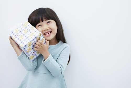 Bagaimana Dampak Beri Iming-iming Hadiah ke Anak 03 Hadiah Anak 3 - Finansialku