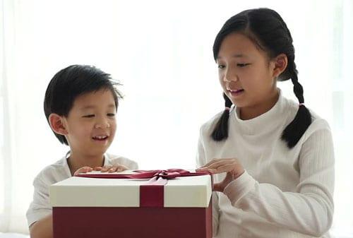 Bagaimana Dampak Beri Iming-iming Hadiah ke Anak 04 Hadiah Anak 4 - Finansialku