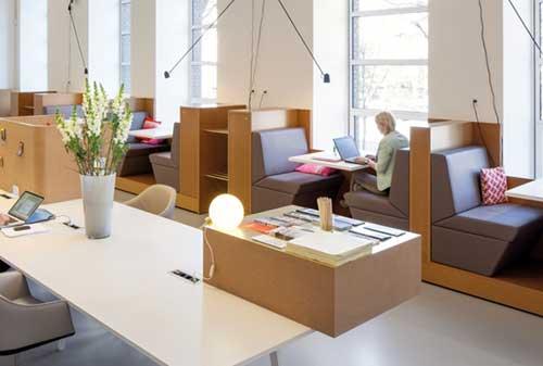Begini Ya, 5 Cara Sakti Membuat Karyawan Betah di Kantor 03 Karyawan 3 - Finansialku