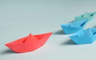 Perbedaan Kepemimpinan dan Manajemen 01 - Finansialku