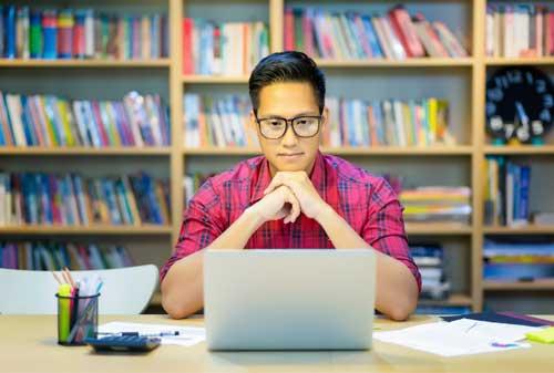 Quiz 3 Tipe Pengusaha Startup Dalam Berbisnis 01 Young Asian business - Maximuz Foto - shutterstock - 717021853 - Finansialku
