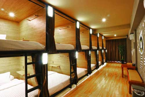 Asyiknya Menginap di 5 Hotel Kapsul di Bandung yang Tak Terlupakan 03 VK Pods - Finansialku