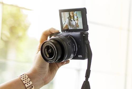Beli Kamera Mirrorless 02 - Finansialku