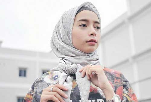 Deretan 10 Selebgram Indonesia Terkaya 2018 Dengan Bayaran Tinggi 10 Erlinda Yuliana - Finansialku