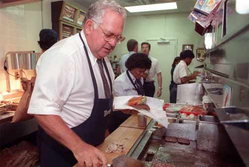 Kisah Sukses Dave Thomas, Pendiri Wendy's Fastfood 07 - Finansialku