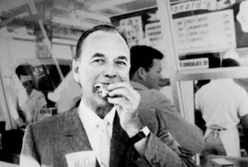 Kisah Sukses Ray Kroc Pemilik McDonald 02 - Finansialku
