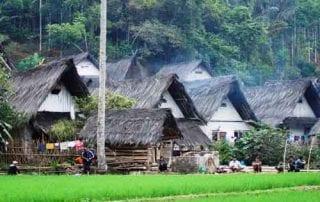 Melihat Uniknya Budaya di Kampung Naga Tasikmalaya 01 - Finansialku
