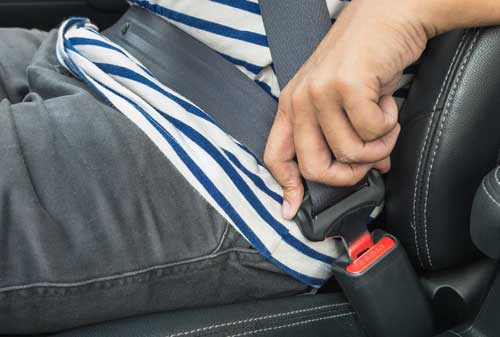 Sudah Tahu Cara Memilih Mobil MPV Terbaik Untuk Keluarga 03 Seatbelt - Finansialku