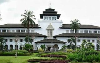 Tempat Wisata Jawa Barat 01 Gedung Sate - Finansialku